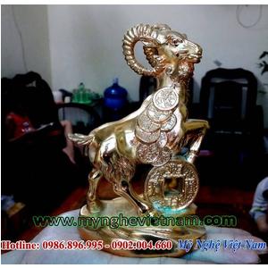 Quà tặng dành cho năm 2015 bằng tượng dê đồng mạ vàng