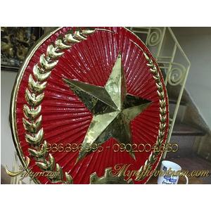 Quân đội hiệu bằng đồng treo cổng doanh trại quân đội
