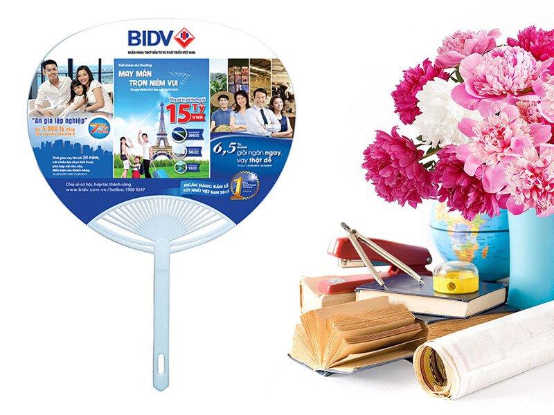 Quạt nhựa quảng cáo giá rẻ tại Tp.HCM - Phụng Nghi ®