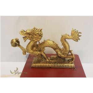 Rồng cầm quả cầu lửa bằng đồng vàng 20cm