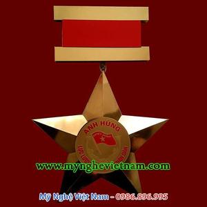 Sản xuất huân chương, chế tác huy chương trang trí cỡ lớn