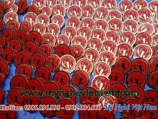 Sản xuất huy hiệu đeo ngực, chế tác logo công ty