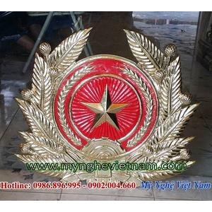 Sản xuất huy hiệu quân đội có cành tùng