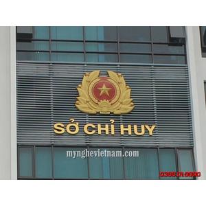 Sản xuất lắp đặt logo quân đội Sở Chỉ Huy bằng đồng