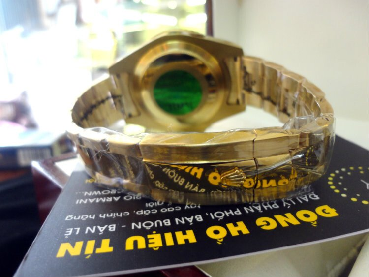Rolex Submariner Date 43mm blue yellow gold
