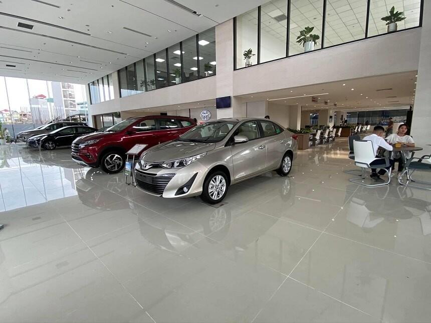 Showroom ô tô hiện đại Toyota Hoài Đức 4S
