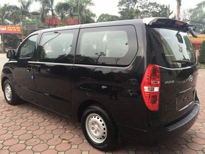 Hyundai Starex Van 6 Chỗ Xăng