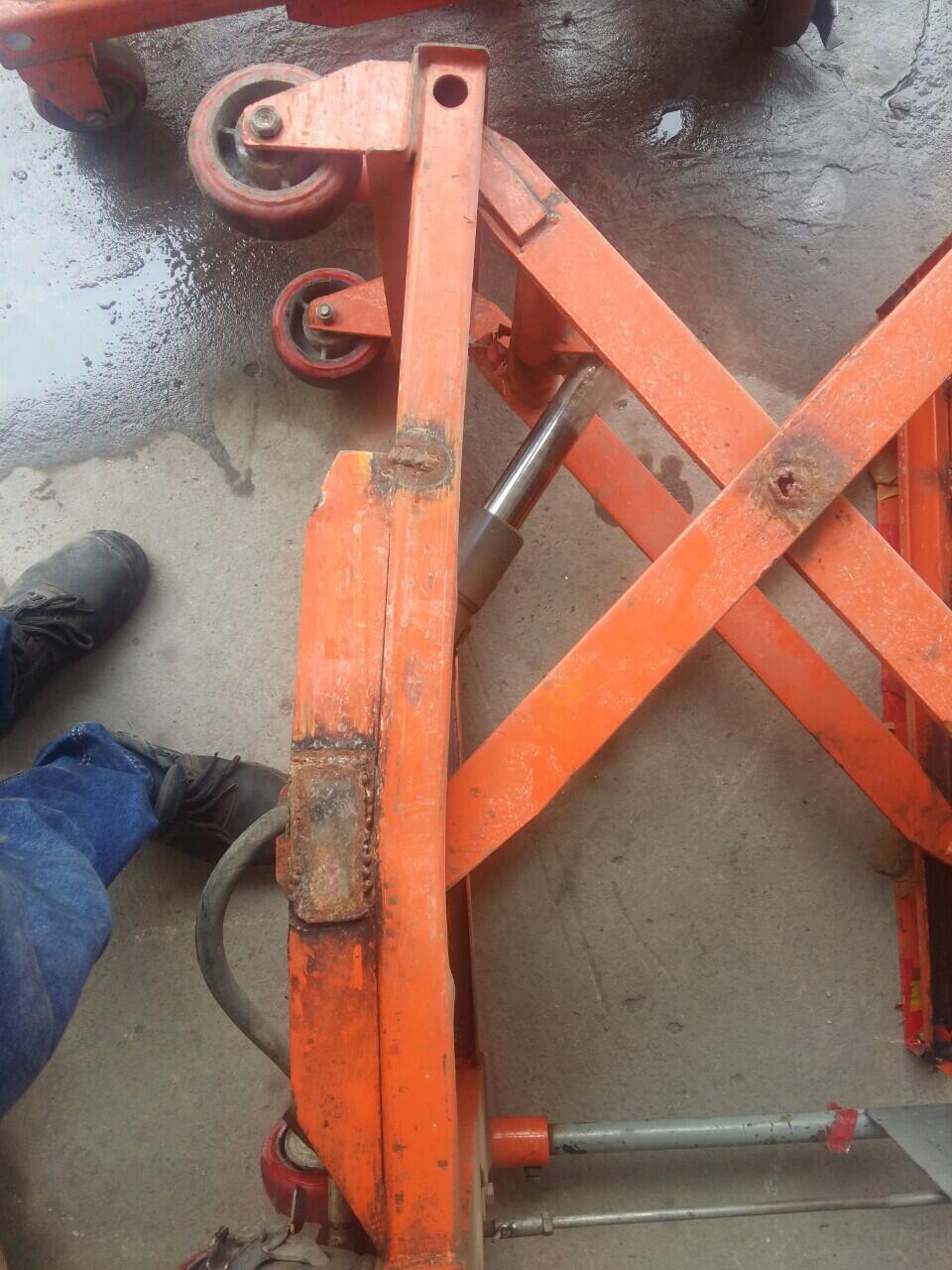 tư vấn sửa xe nâng mặt bàn