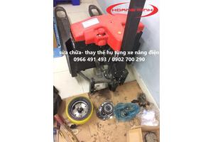 Sửa chữa xe nâng tay điện pallet- Bọc bánh xe PU