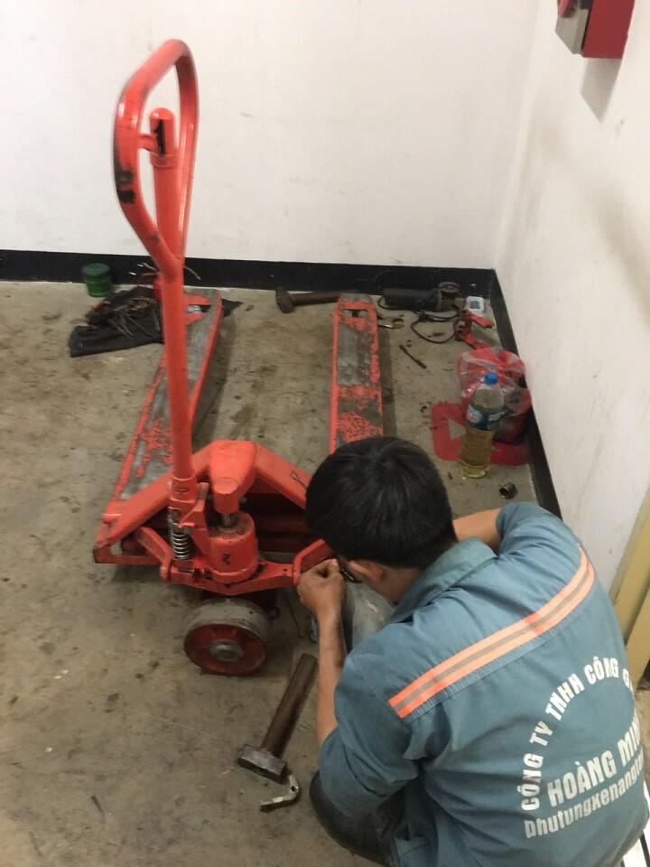 Sửa chữa xe nâng tay, phục hồi bơm ben thủy lực