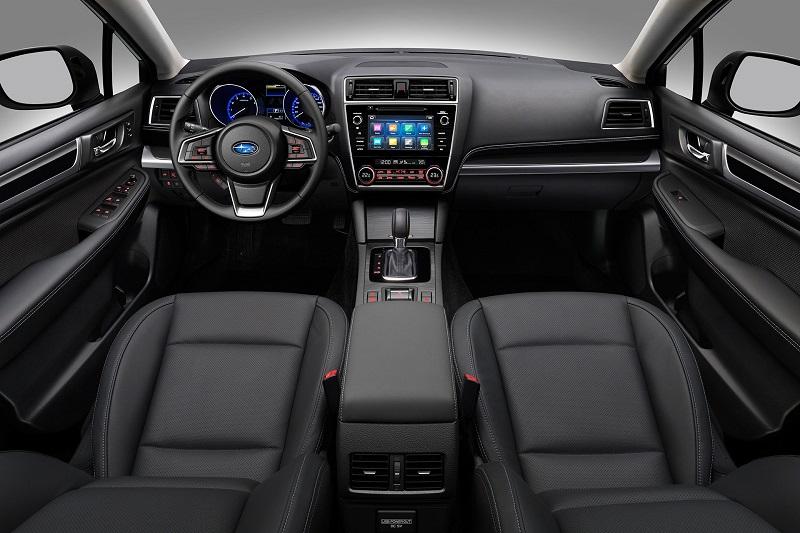 Khoang ghế lái Subaru Outback mang lại cảm giác thể thao