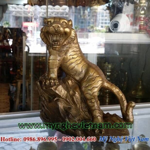 Tượng hổ bằng đồng cao 16cm đứng núi