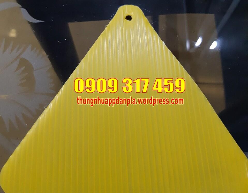 Tấm nhựa pp màu vàng