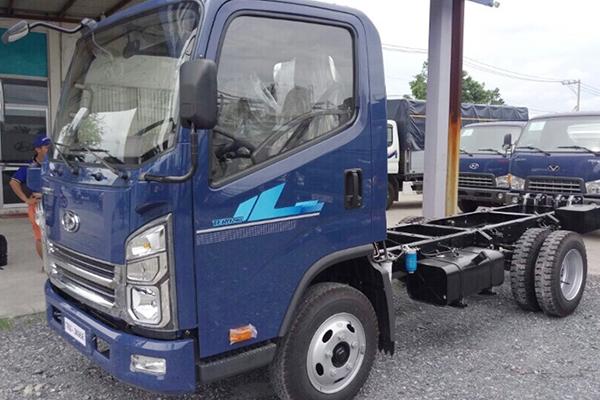Xe tải 2,4 Tấn Tera 240 thùng kín