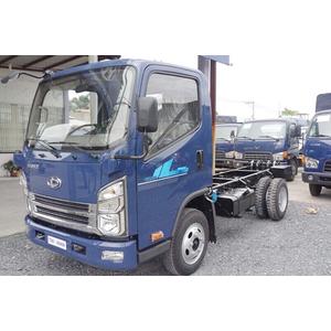 Xe tải Tera 240L ERO4 2018 thùng mui bạt 2,49 Tấn