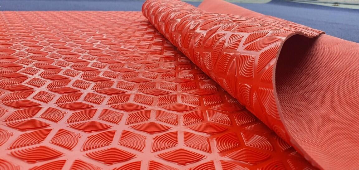 thảm nhựa lót hồ bơi