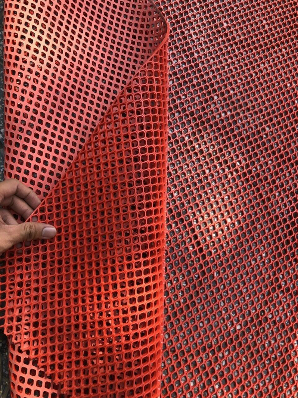 thảm nhựa lưới to