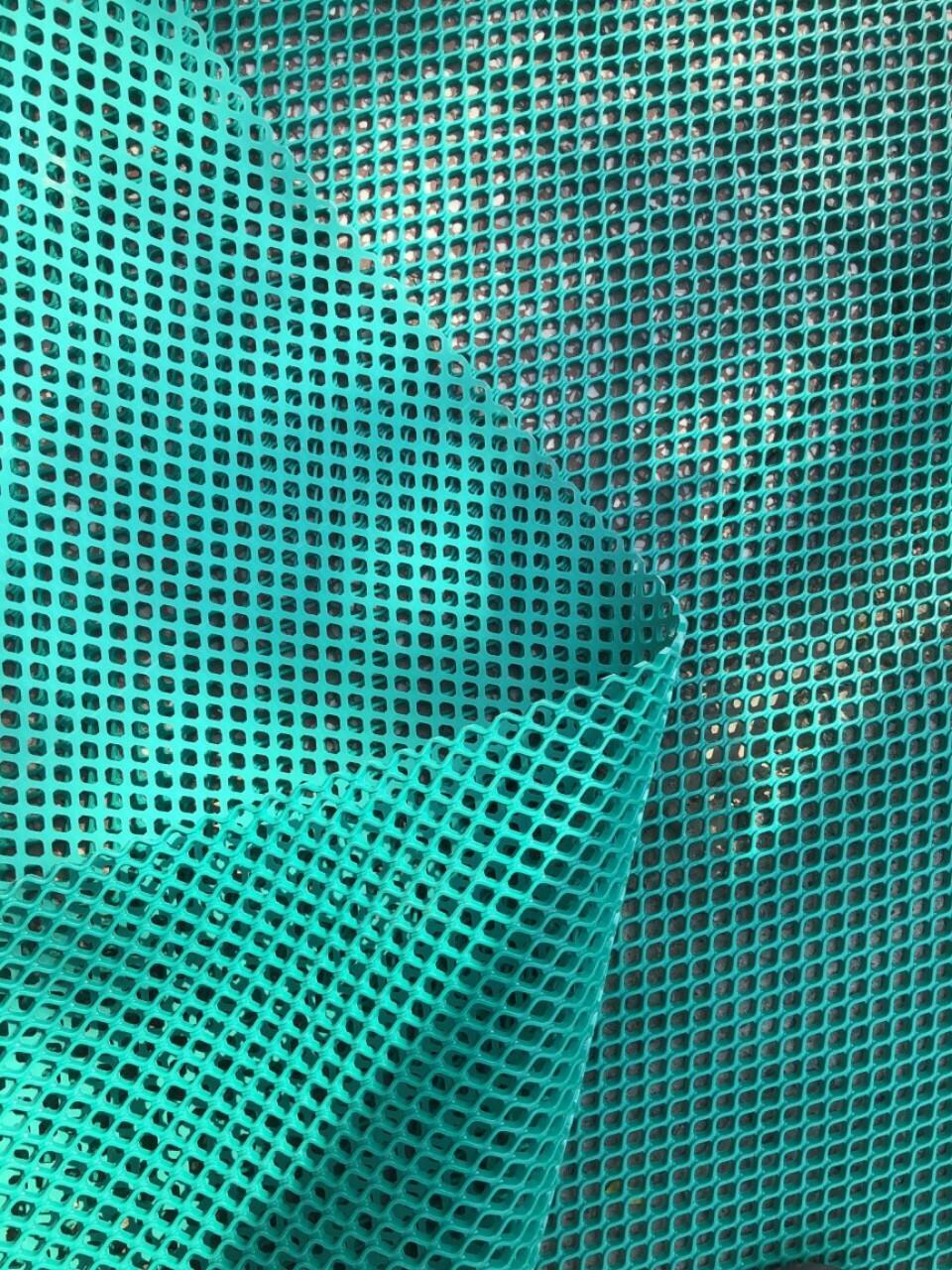 thảm nhựa lưới lót hầm xe