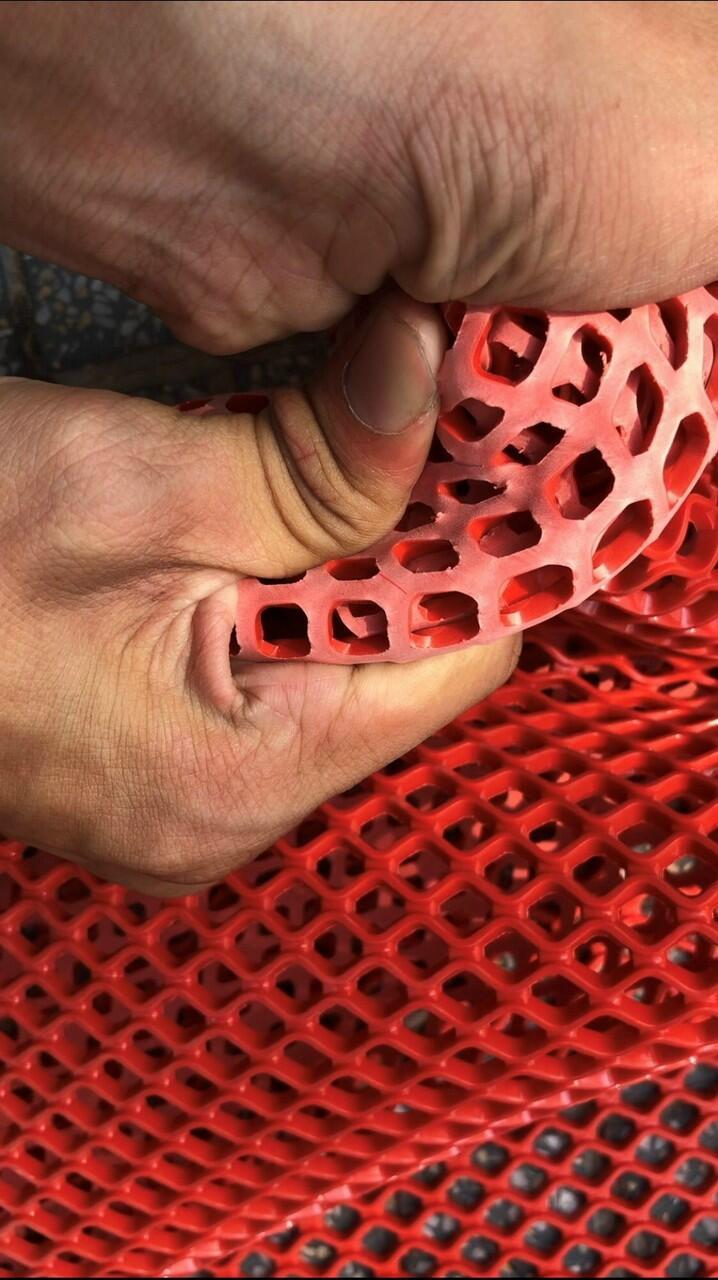 thảm nhựa lưới trải sàn