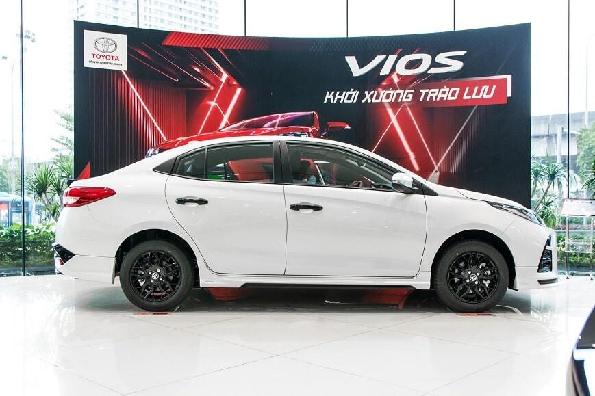 Thân xe Toyota Vios phiên bản GRS số tự động