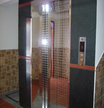 Khung bản Rộng : Inox Gương - Cánh cửa tầng : Inox Gương