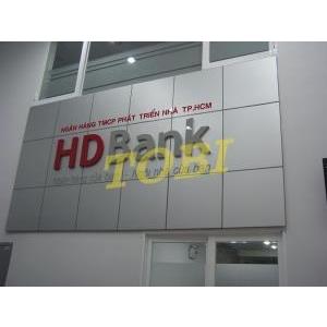 Thi công bảng tên HD BANK