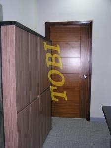 Thi Công Cửa Văn Phòng SBOE DONG AN