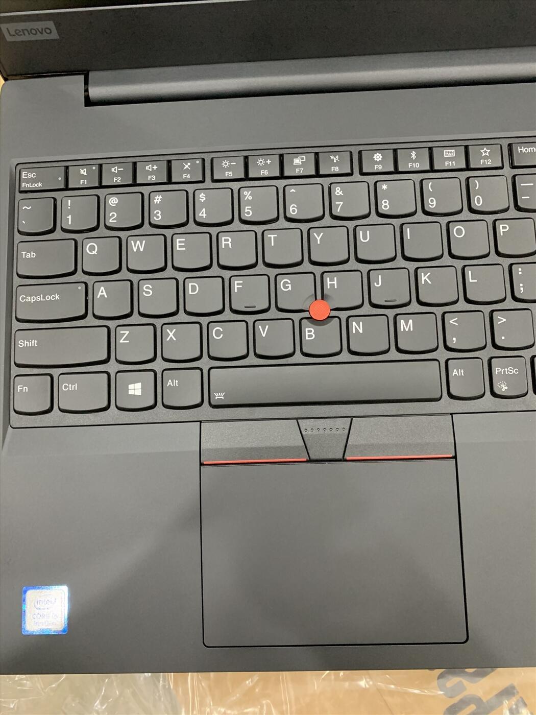 Lenovo Thinkpad E590 Core i5 8265U, Ram 4GB, 1000GB + khe NVme, Màn 15.6 inch New 100%