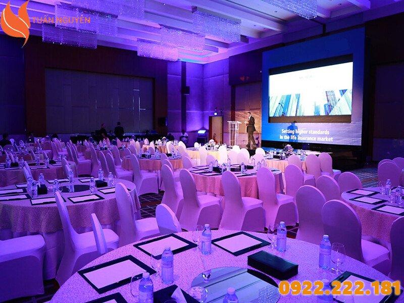 Cho thuê bàn ghế uy tín, chất lượng tại TP.HCM - Tuấn Nguyễn