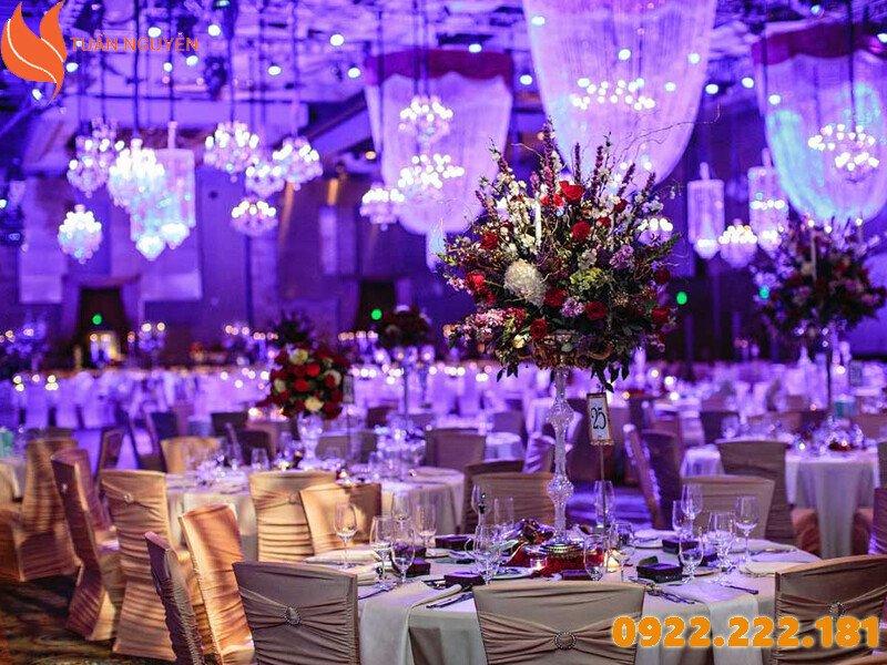 Cách lựa chọn nơi cho thuê bàn ghế đám cưới giá rẻ, chất lượng tại TP.HCM
