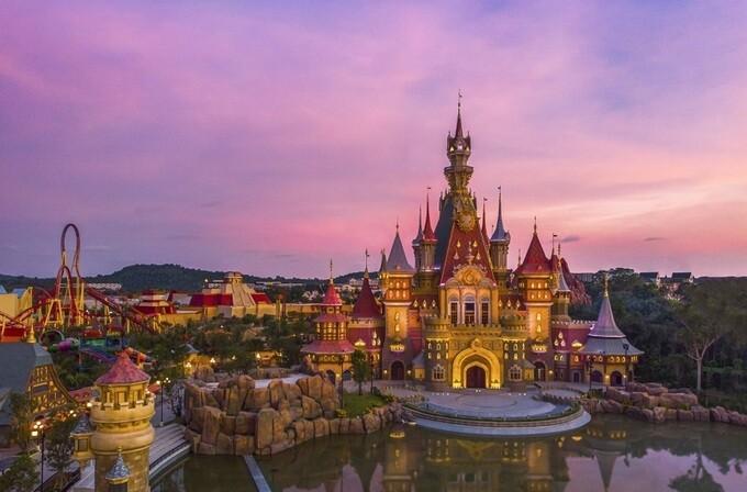 khai trương công viên giải trí chủ đề lớn nhất việt nam , công viễn vinper mới tại phú quốc