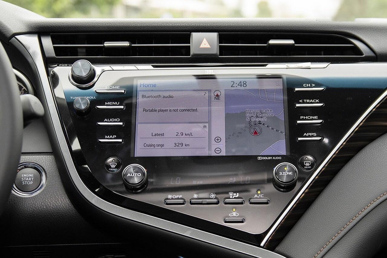 Đầu DVD trên xe Toyota Camry