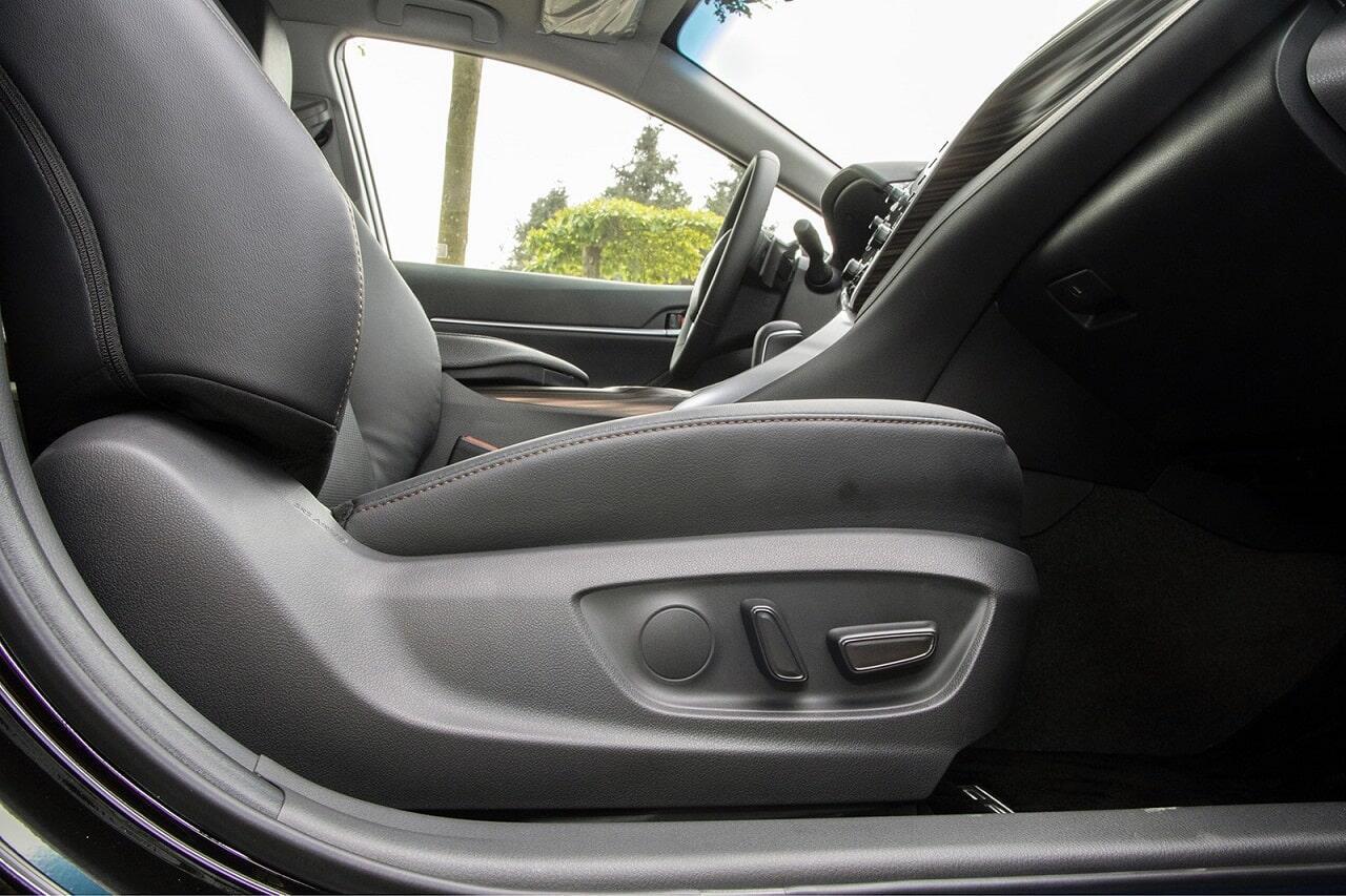 Ghế phụ chỉnh điện Toyota Camry