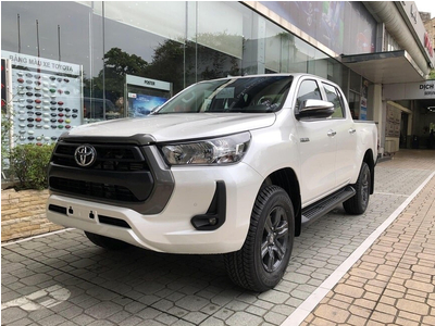 Toyota Hilux 2.4 E 4x2 AT