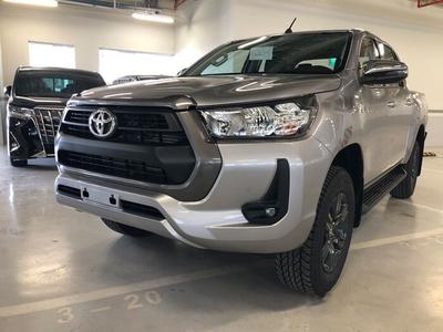 Toyota Hilux 2.4 E 4x4 MT