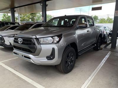 Toyota Hilux 2.4L 4X4 MT