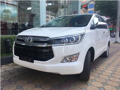 Toyota Innova 2.0 V