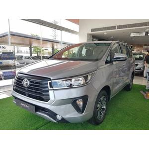 Toyota Innova E 2.0MT