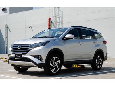 Toyota Rush 1.5 AT - 7 Chỗ Nhập Khẩu