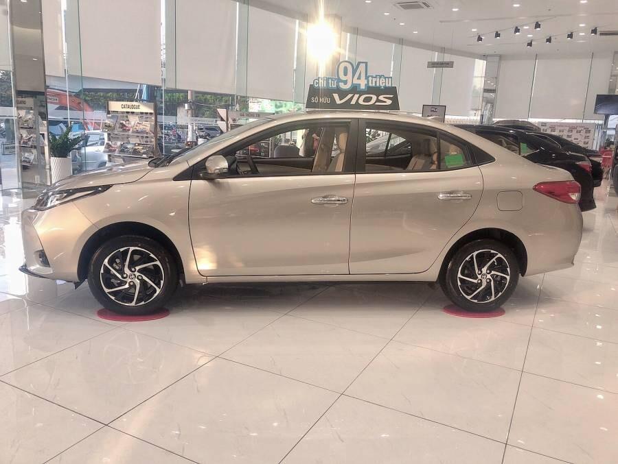 Toyota Vios 1.5E MT (3 túi khí)