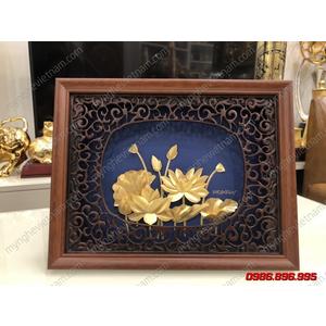 Tranh hoa sen dát vàng 24K kt 25x32cm