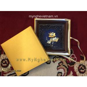 Tranh hoa sen dát vàng quà tặng đối tác 20x20cm