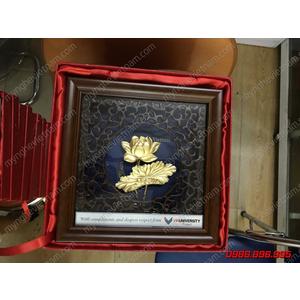 Tranh hoa sen 3D dát vàng 20x20cm dày dặn