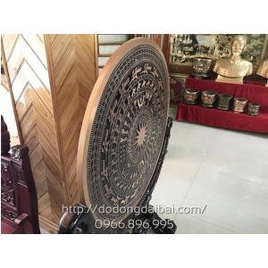 Mặt trống đồng đỏ đúc đk 80cm có giá gỗ