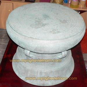 Trống đồng Đông Sơn đúc đường kính 60cm, trống đồng màu xanh giả cổ