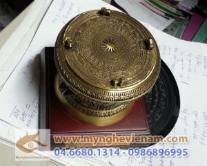 Trống đồng quà tặng dk 10cm, mẫu quà tặng điện lực Việt Nam