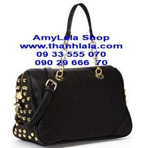 Túi Betsey Johnson màu đen nút khóa mạ vàng nổi bật (Made in USA) - 0933555070 - 0902966670 -