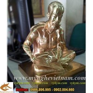 Tượng Bác Hồ ngồi đọc báo cao 25cm, tượng đồng Bác Hồ