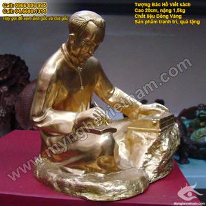 Tượng Bác hồ ngồi viết sách bằng đồng 20cm