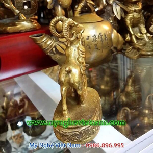 Tượng dê đồng nhỏ cao 10cm, dê phong thủy đồng để bàn